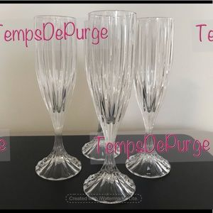 EUC - Fluted Champagne Park Lane Glasses by Mikasa